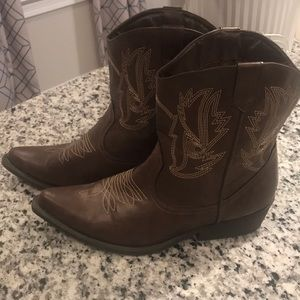 SO Brown Ankle Cowboy Boots (Size 10)